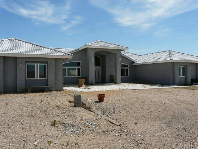 25521 Valley View Rd, Apple Valley, CA 92308