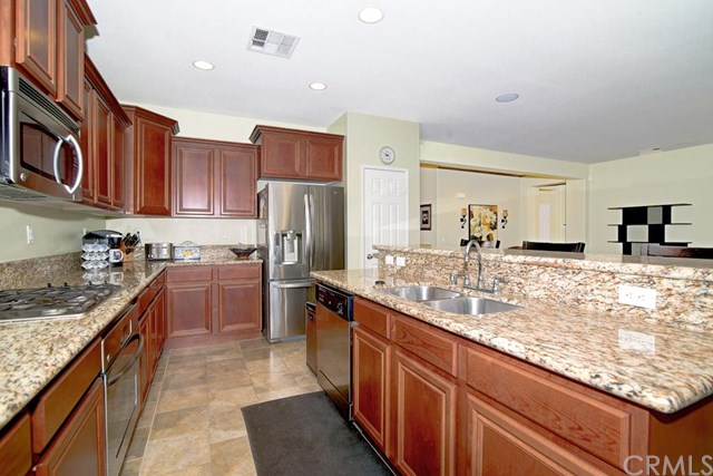 40942 Whitehall Street, Lake Elsinore, CA 92532