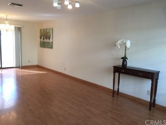 11628 205th St #1/2, Lakewood, CA 90715