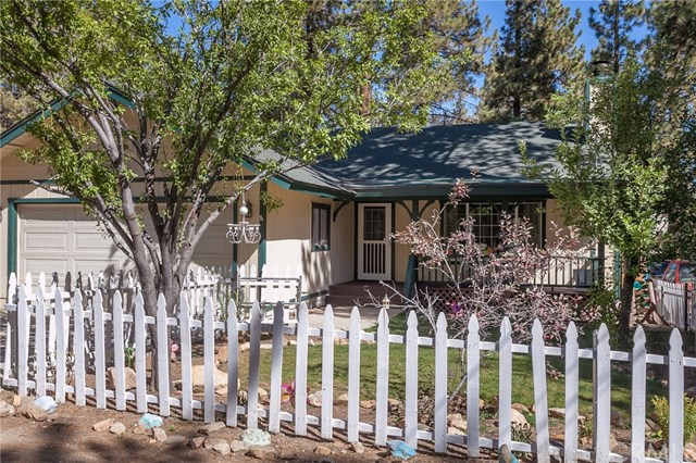 2017 Cedar Pine Ln, Big Bear City, CA 92314