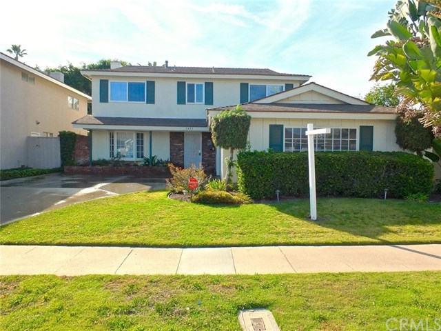 3425 Val Verde Avenue, Long Beach, CA 90808