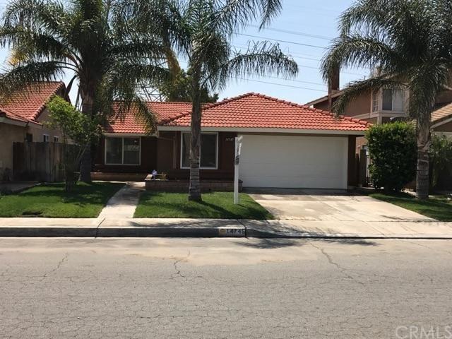 14745 Woodland Dr, Fontana, CA 92337