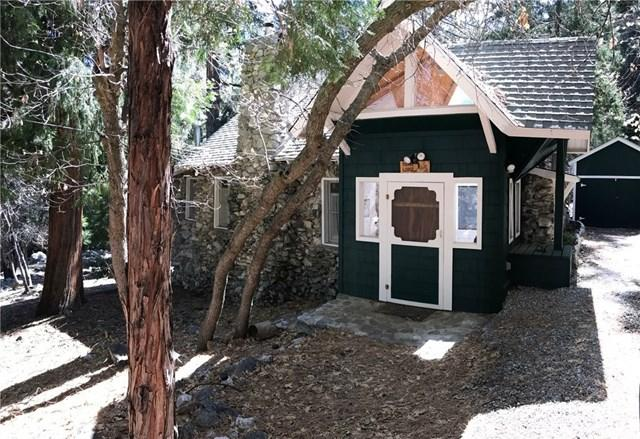 9419 Cedar Dr, Forest Falls, CA 92339