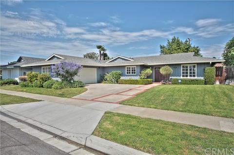 2856 Corvo Pl, Costa Mesa, CA 92626