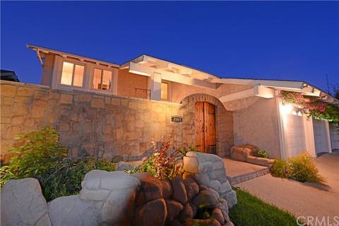 2792 Waxwing Cir, Costa Mesa, CA 92626
