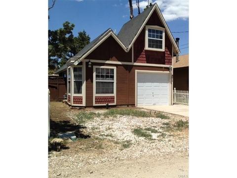 871 Ash Ln, Big Bear City, CA 92314
