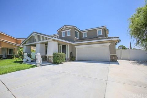 7577 Sweetmeadow Ct, Highland, CA 92346