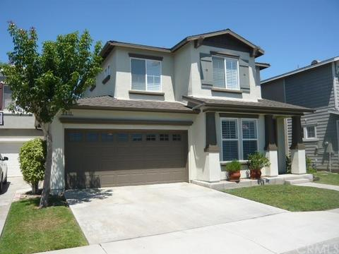 5211 Foxglove Dr, Huntington Beach, CA 92649
