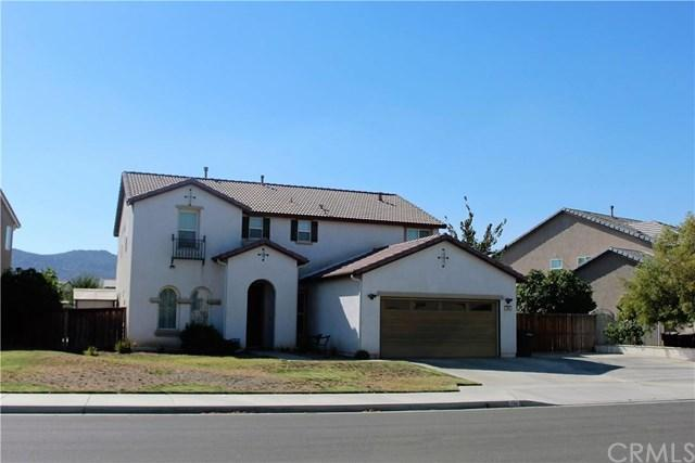 568 Peregrine Ln, San Jacinto, CA 92582