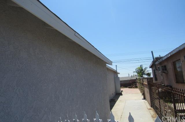 619 S Caswell Avenue, Compton, CA 90220