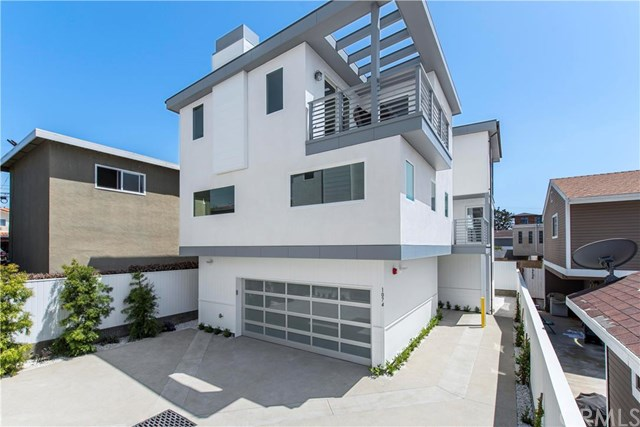1074 7th St, Hermosa Beach, CA 90254