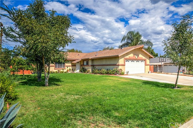 6401 Duchess Dr, Jurupa Valley, CA 92509