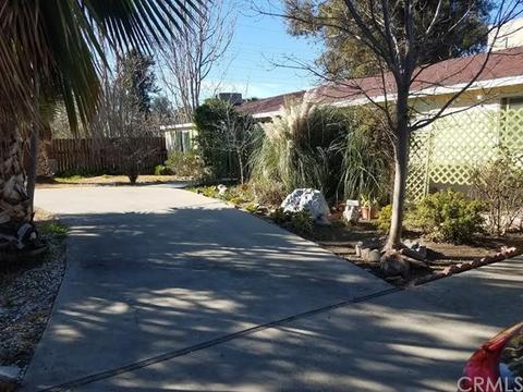 1660 W Menlo Ave, Hemet, CA 92543