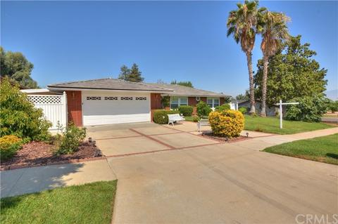 714 Brentwood Pl, Redlands, CA 92373