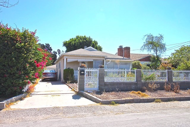 7840 Sancola Ave, Sun Valley, CA 91352