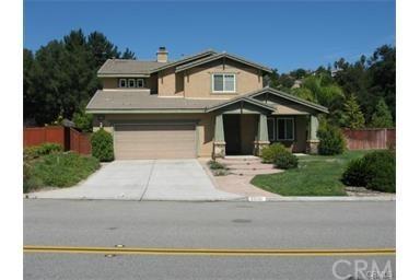 28280 Meadow Glen Way, Escondido, CA 92026