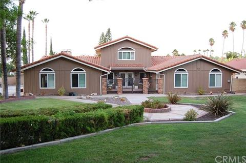 803 E Chase Dr, Corona, CA 92881