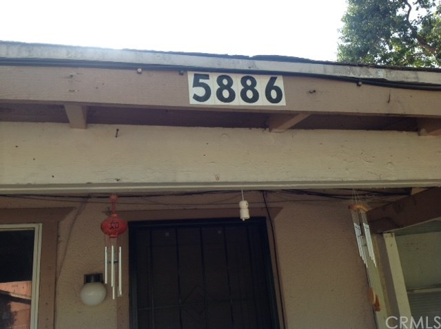 5882 Montgomery Street, Riverside, CA 92503