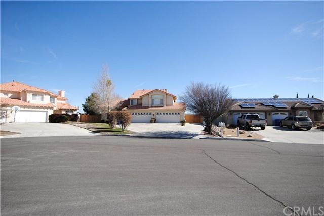 12849 Yorkshire Dr, Apple Valley, CA 92308