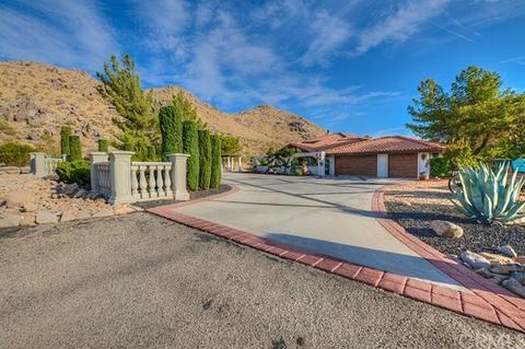 16293 Saint Timothy Rd, Apple Valley, CA 92307