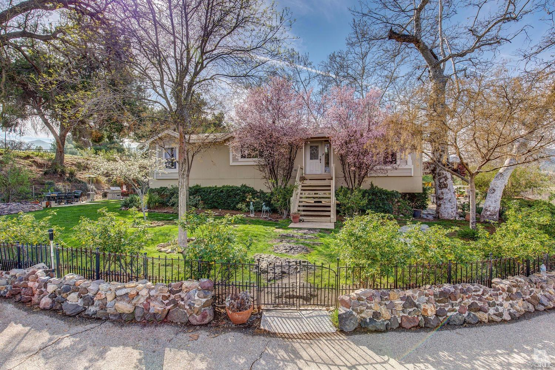 2581 Kanan Rd, Agoura Hills, CA