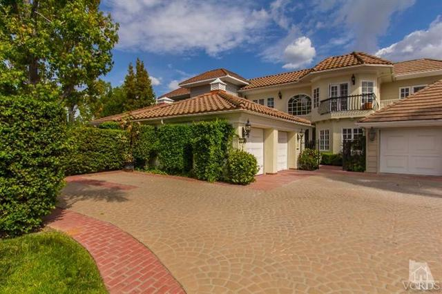 2238 Canyonback Rd, Los Angeles, CA