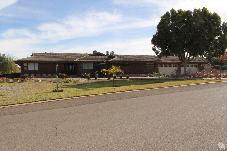 2125 Arrowhead Dr, Santa Maria, CA