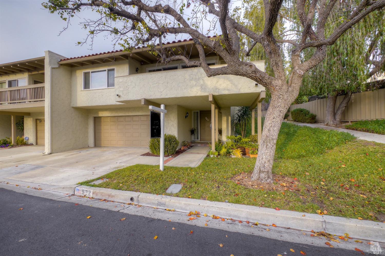 922 Woodlawn Dr, Thousand Oaks, CA