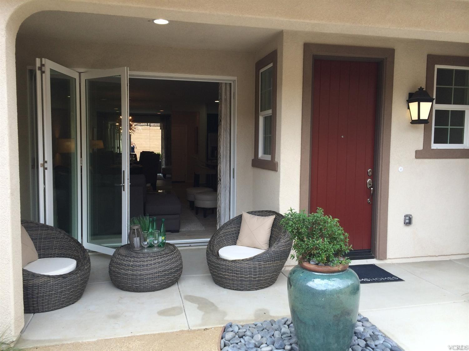 6440 Summit Village Ln #APT 2, Simi Valley, CA