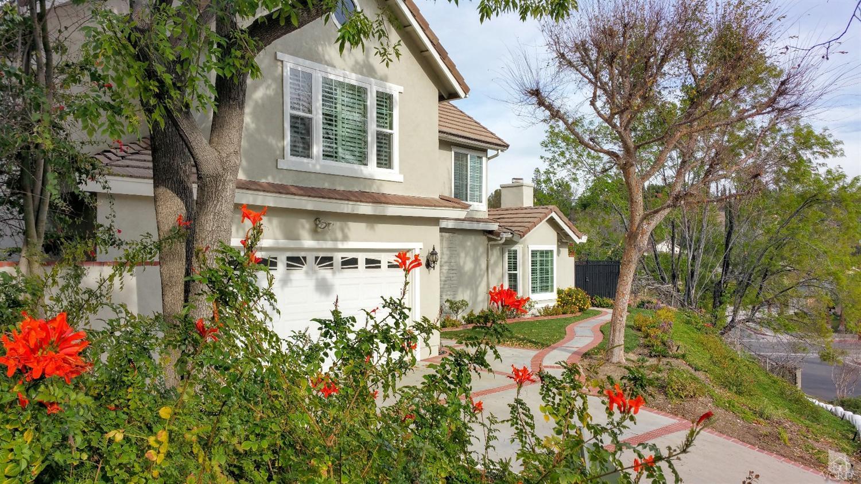 16427 Shamhart Dr, Granada Hills, CA