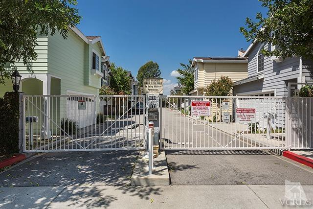 9173 Noble Ave, North Hills, CA