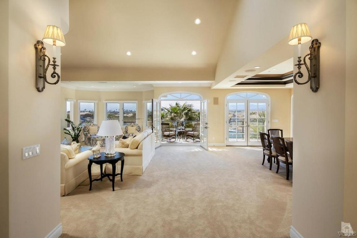 1712 Emerald Isle Way, Oxnard, CA 93035