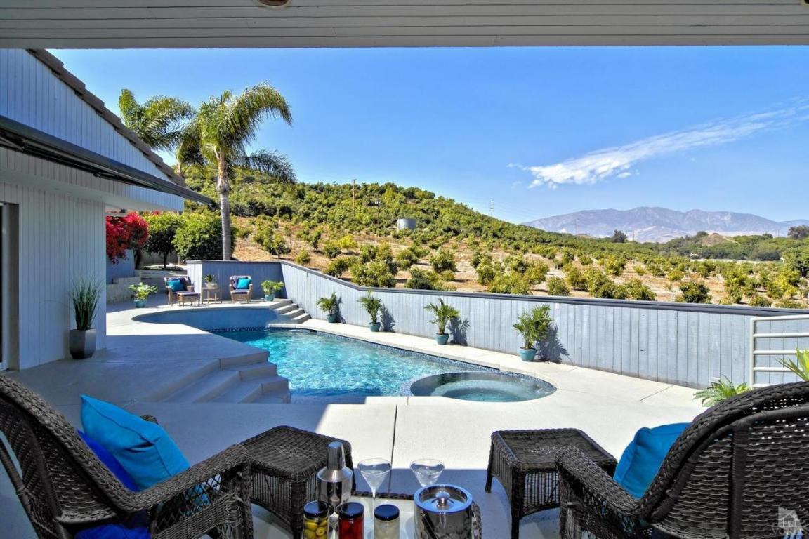 697 Ridgecrest Drive, Santa Paula, CA 93060