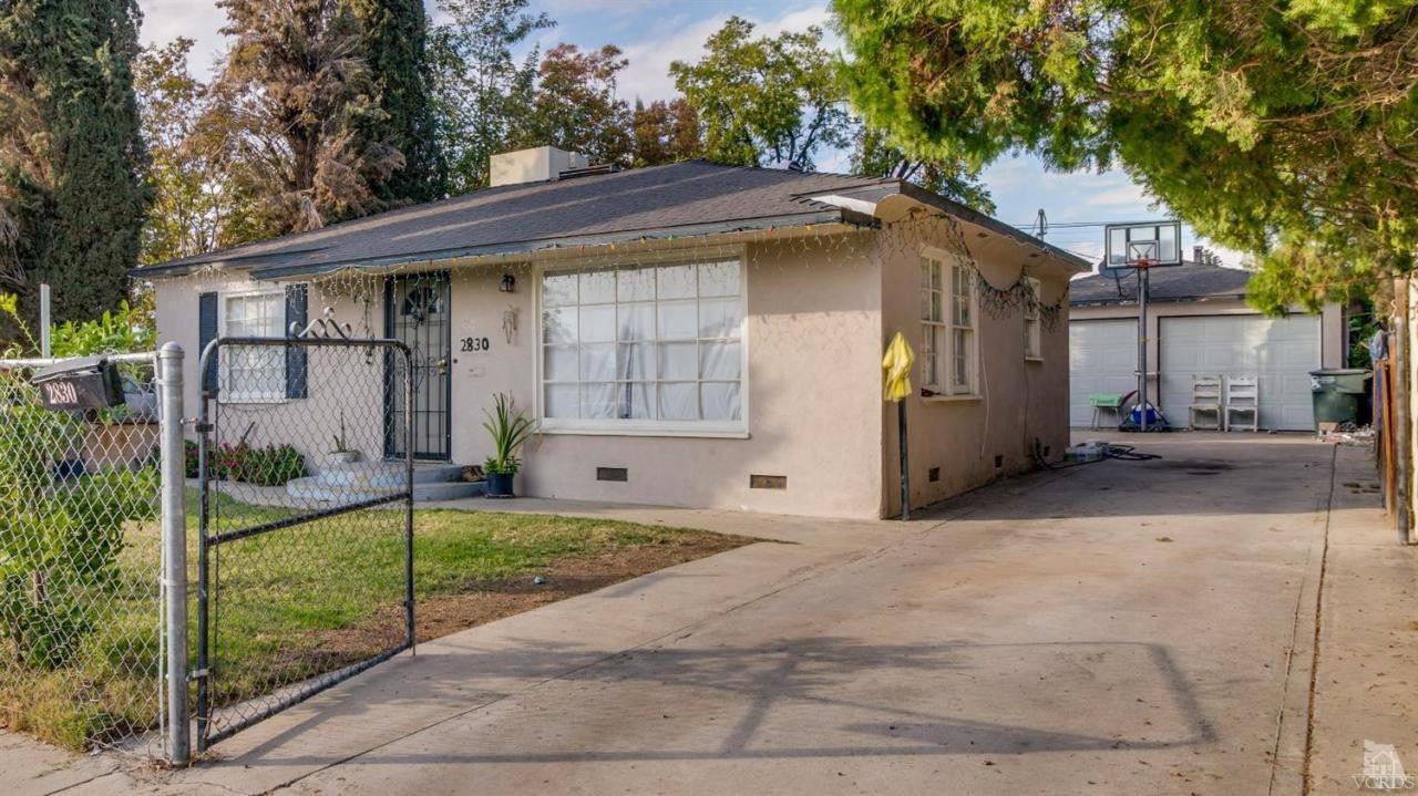 2830 Monterey Street #2, Bakersfield, CA 93306