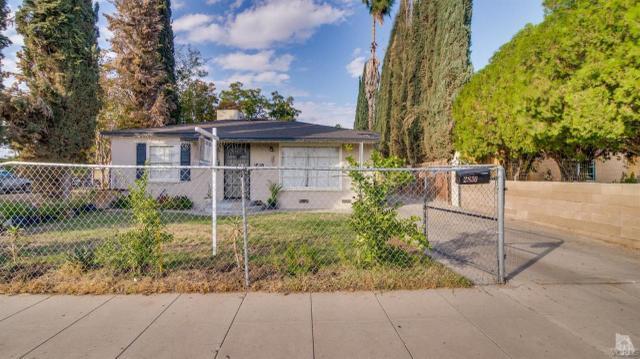 2830 Monterey St #2, Bakersfield, CA 93306