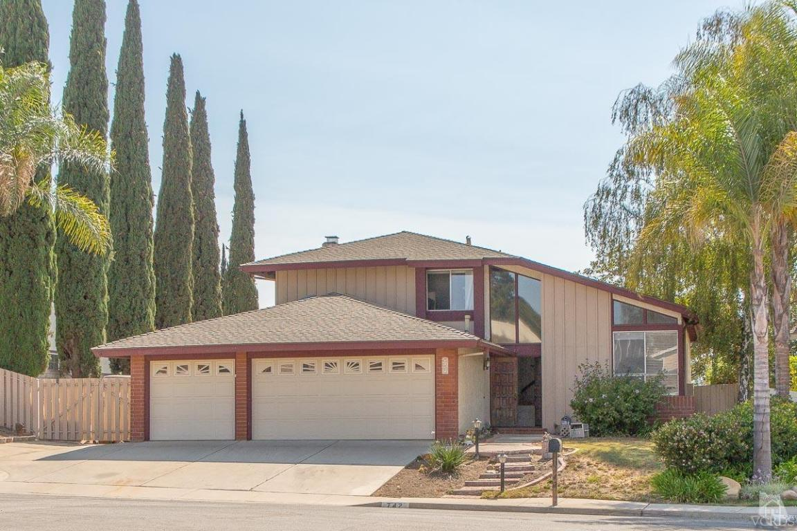 742 Azalea St, Thousand Oaks, CA 91360