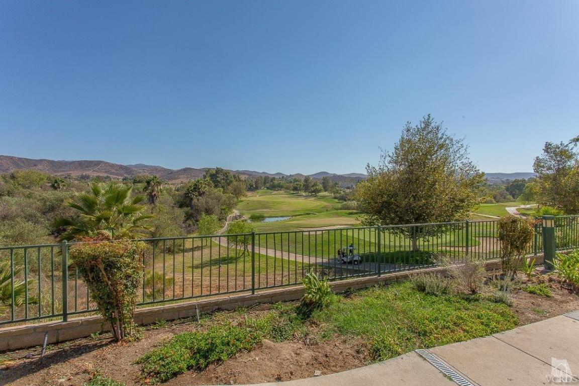 250 Country Club Dr #B, Simi Valley, CA 93065