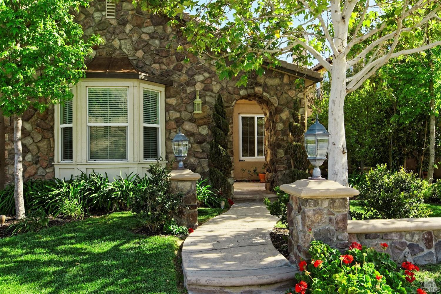 1724 Legacy Drive, Simi Valley, CA 93065