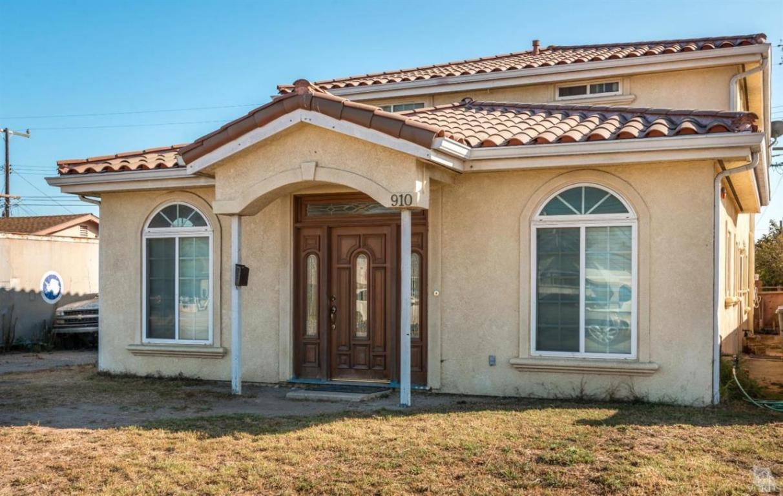 910 Bryce Canyon Avenue, Oxnard, CA 93033