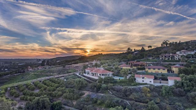 900 Rancho Vista Ln, Santa Paula, CA 93060