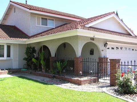 408 Center Ln, Santa Paula, CA 93060