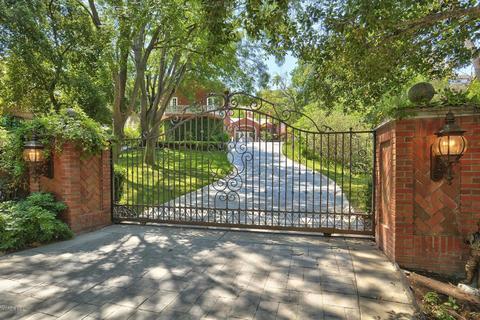31640 Saddletree Dr, Westlake Village, CA 91361