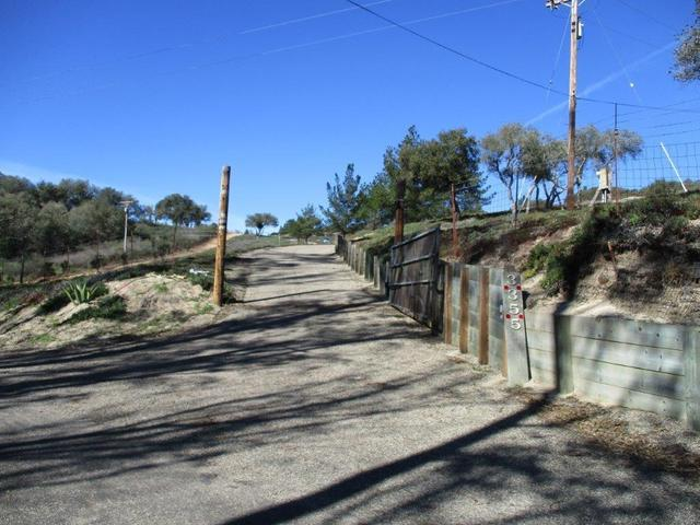 3355 Wild Oak Rd, Lompoc, CA 93436