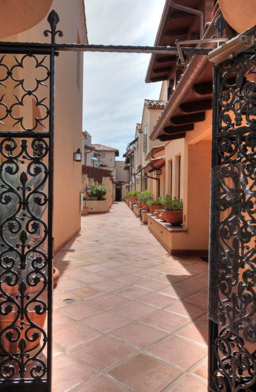105 W De La Guerra Street #L, Santa Barbara, CA 93101