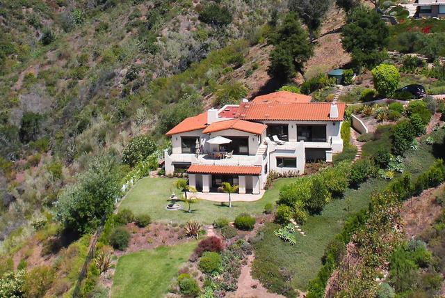 129 W Mountain Dr, Santa Barbara, CA 93103