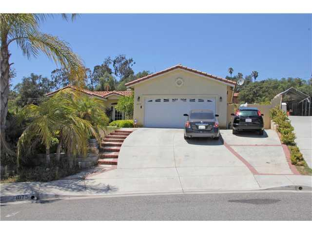 1075 Lindy Ln, Vista, CA 92084