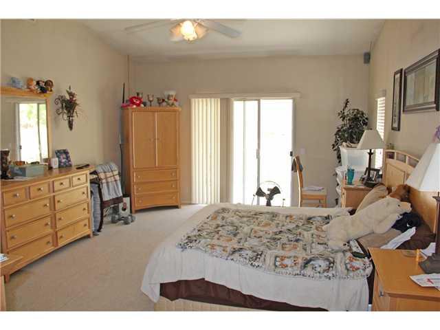 1075 Lindy Ln Vista, CA 92084