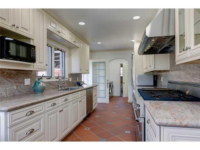 385 Virginia Ave, Pasadena CA 91107