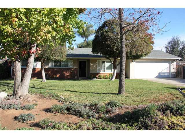 1120 Hamilton Ln, Escondido, CA 92029