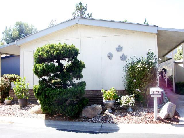 8975 Lawrence Welk Dr, Escondido, CA